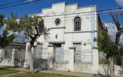 A restored synagogue in Moisesville. Wikimedia Commons
