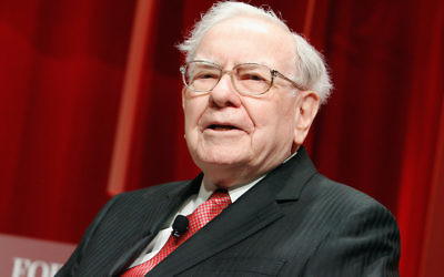 Warren Buffett speaking at Fortune's Most Powerful Women Summit in Washington, D.C., Oct. 13, 2015. (Paul Morigi/Getty Images for Fortune/Time Inc)