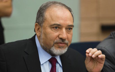 Avigdor Liberman speaking during a Knesset meeting about Operation Protective Edge, Aug. 4, 2014. (Flash 90)