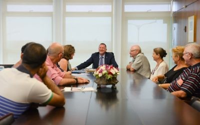 Members of the Adler Aphasia Center meet with Speaker of the Knesset MK Yuli Edelstein. Courtesy of the Adler Aphasia Center