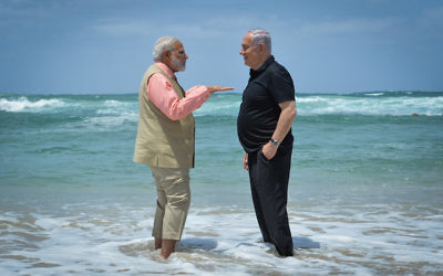 Prime Ministers Benjamin Netanyahu of Israel and Narendra Modi of India visit the water desalination plant at Olga Beach in Haifa, Israel, July 6, 2017. (Kobi Gideon/Israeli Government Press Office)