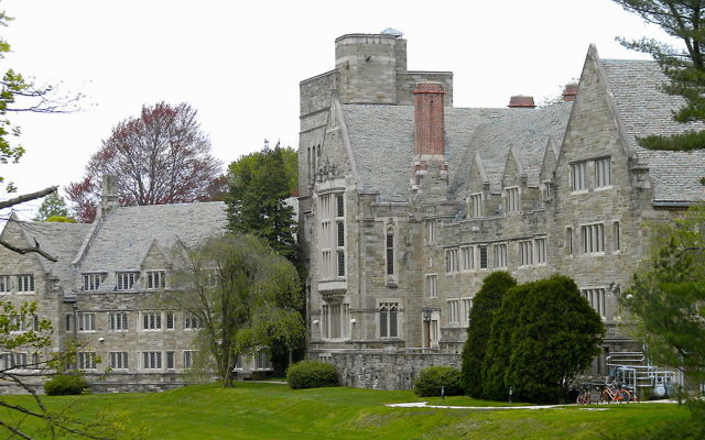 Rhoads Hall, Bryn Mawr College. Wikimedia Commons