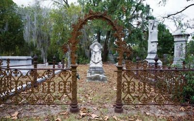 The Jewish section of the Bonaventure Cemetery in Savannah. Photos by Richard Nowitz