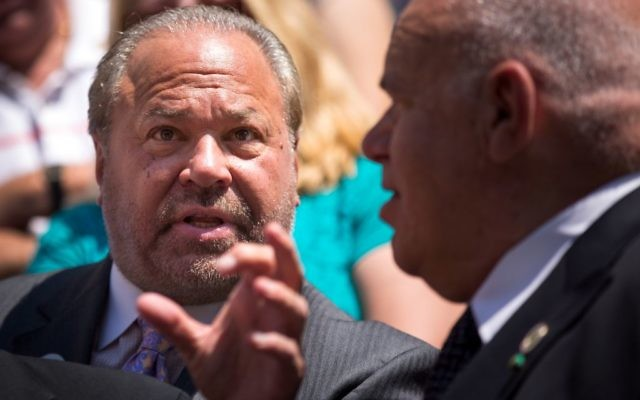 New York City mayoral candidate and former NYPD detective Bo Dietl speaks with supporters outside of City Hall during a press conference and rally in support of the Christopher Columbus statue in Manhattan, August 24, 2017 in New York City. Getty Images