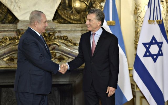 Israeli Prime Minister Benjamin Netanyahu (L) shakes hands with Argentina's President Mauricio Macri before a working meeting at the Casa Rosada presidential house in Buenos Aires on September 12, 2017. Netanyahu is on a two-day official visit to Argentina. Getty Images
