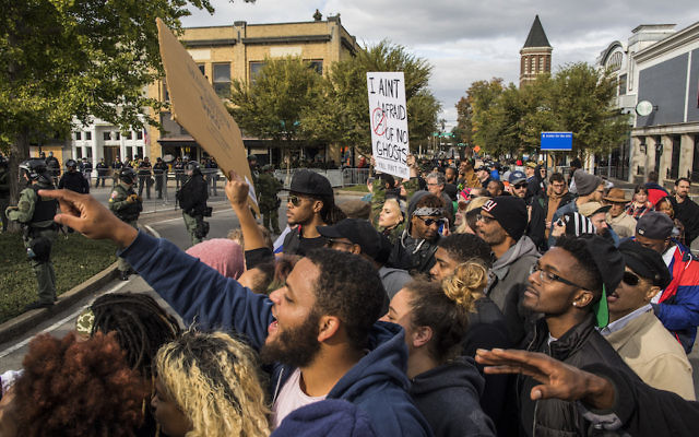 Counter-protesters demonstrating against a White Lives Matter rally in Murfreesboro, Tenn., Oct. 28, 2017. (Joe Buglewicz/Getty Images)