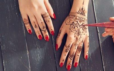 Henna tattoo, Adobe Stock Photo