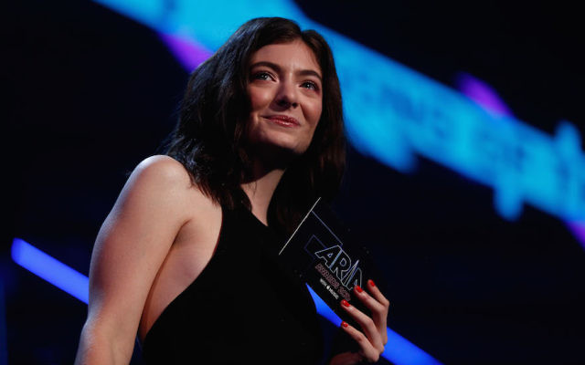 Lorde presenting an award during the 31st Annual ARIA Awards 2017 at The Star in Sydney, Australia, Nov. 28, 2017. (Zak Kaczmarek/Getty Images for ARIA)