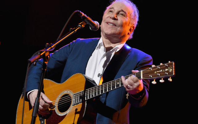 Paul Simon performing at the NYU Skirball Center in New York City, Sept. 22, 2016. (Theo Wargo/Getty Images for Global Citizen)