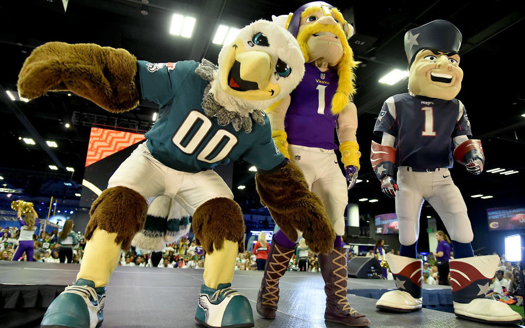 The Philadelphia Eagles, Minnesota Vikings and New England Patriots mascots are seen onstage before the JoJo Siwa performs at Nickelodeon at the Super Bowl Expereince during NFL Play 60 Kids Day on January 31, 2018 in Minneapolis, Minnesota. Getty Images