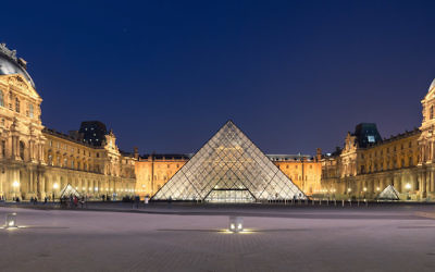 The courtyard of the Louvre museum in Paris. (Wikimedia Commons)