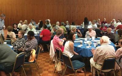 Café Europa guests at Oheb Shalom Synagogue, South Orange, N.J. Kimberly Colchamiro