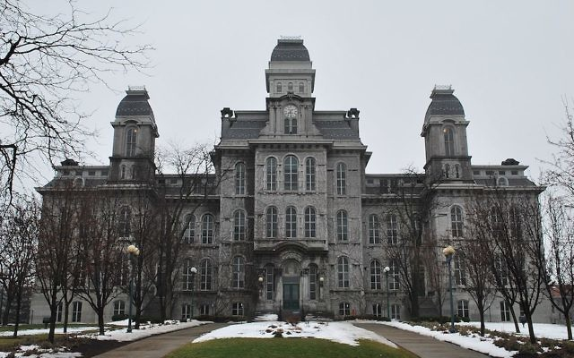 Syracuse University's Hall of Languages (John Marino/Wikimedia Commons)