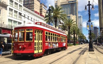 Move over, honeymoon: A New Orleans streetcar. Photos by Wikimedia Commons