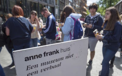 Tourists lining up outside the Anne Frank house in Amsterdam, June 15, 2015. (Lex Van Lieshout/AFP/Getty Images)