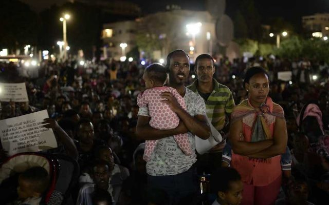 African migrants protesting in Tel Aviv, June 10, 2017. (Tomer Neuberg/Flash90)