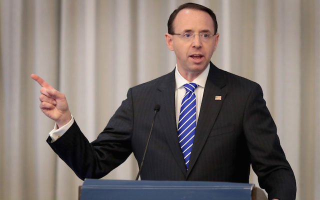 Deputy Attorney General Rod Rosenstein speaking to guests at the International Association of Defense Counsel's 2018 Corporate Counsel College in Chicago, April 26, 2018. (Scott Olson/Getty Images)