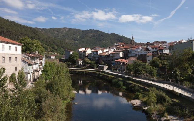 A view of Ribadavia, which is tucked into the grape-covered hills of Galicia, Spain. Photos by Wikimedia Commons