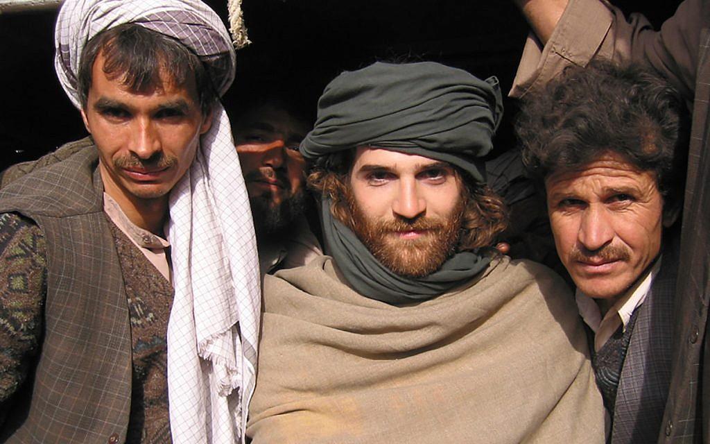 New York Times reporter Jeffrey Gettleman in northern Afghanistan, 2002. (Via Times of Israel)