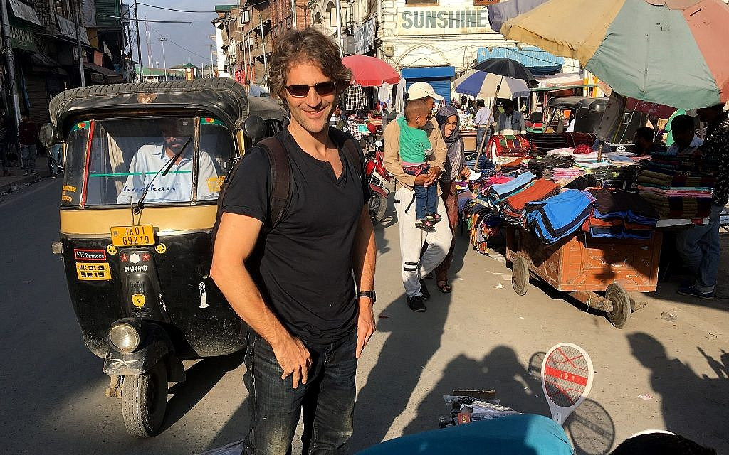 New York Times reporter Jeffrey Gettleman on the streets of Srinagar, Kashmir, 2018. (Via Times of Israel)