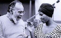 Jerry Wexler and Aretha Franklin in a recording studio in 1960. (GAB Archive/Redferns)