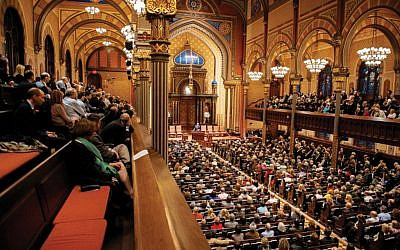 Illustrative image: The packed Central Synagogue sanctuary in NYC. Via CENTRALSYGAGOGUE.ORG