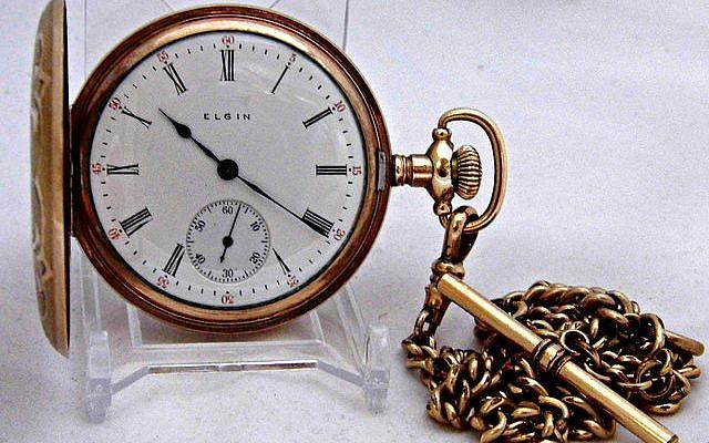 Illustrative photo of a gold pocket watch. Flick CC ShareAlike 2.0 Generic