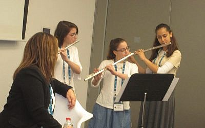 Students from the Arad Music Conservatory performed at a session on federation fundraising at the General Assembly. Arad is the sister city of the Jewish federation of Delaware and the conservatory benefits from that partnership. Photos by Michele Chabin/JW