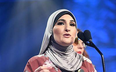 Linda Sarsour speaks at BET's Social Awards at the Tyler Perry Studio in Atlanta, Feb. 11, 2018. (JTA)