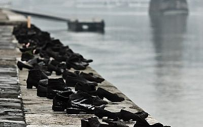 The memorial for Jews that were shot along the Danube river during the Holocaust. Wikimedia Commons