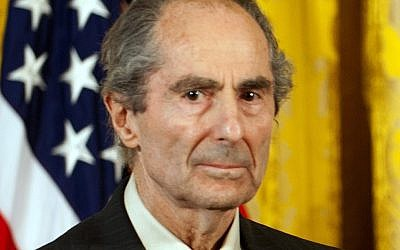 Philip Roth at the National Humanities Medal ceremony at the White House, March 2, 2011. (Jim Watson/AFP/Getty Images/via JTA)