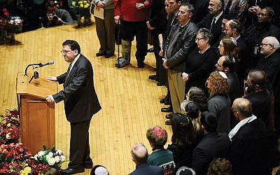 New Light Rabbi Jonathan Perlman at a vigil after the Tree of Life attack. Getty Images