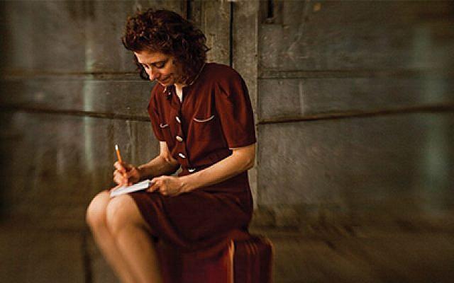 Susan Stein as diarist Etty Hillesum. Ricardo Barros