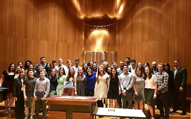The graduates of the Write On For Israel 2019 program. Lily Weinberg/JW