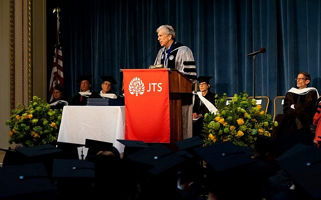 Arnold Eisen addresses the Jewish Theological Seminary graduates on May 23, 2019. Courtesy of JTS