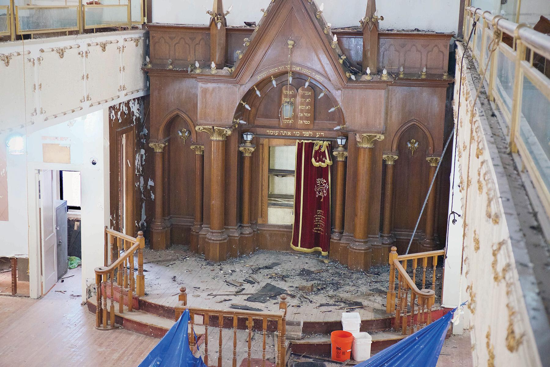 For Rare Sea Gate Shul, No Direction Home | Jewish Week