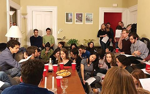 A gathering of Friday Night Jews at Brown University. Courtesy of JOOOT.