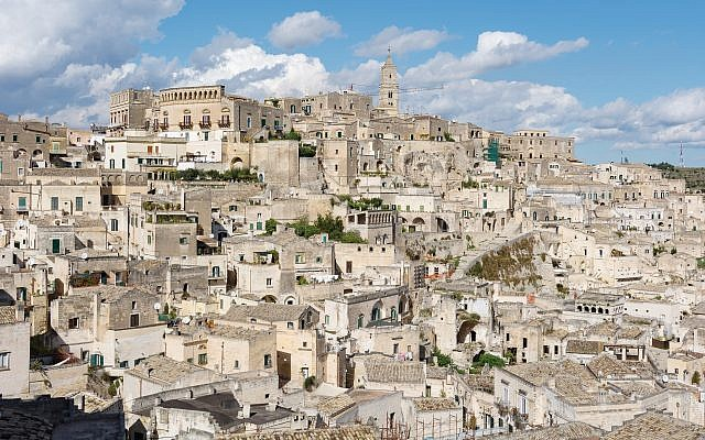 The Italian hill town of Matera. Photos by Wikimedia Commons
