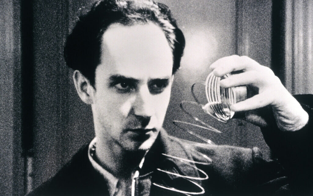 """Sean Gullette as math whiz Max Cohen in Darren Aronofsky's """"Pi,"""" at MoMA. Moma.org"""