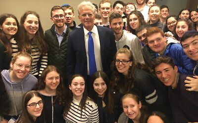 Former Ambassador Michael Oren with Write On For Israel participants.