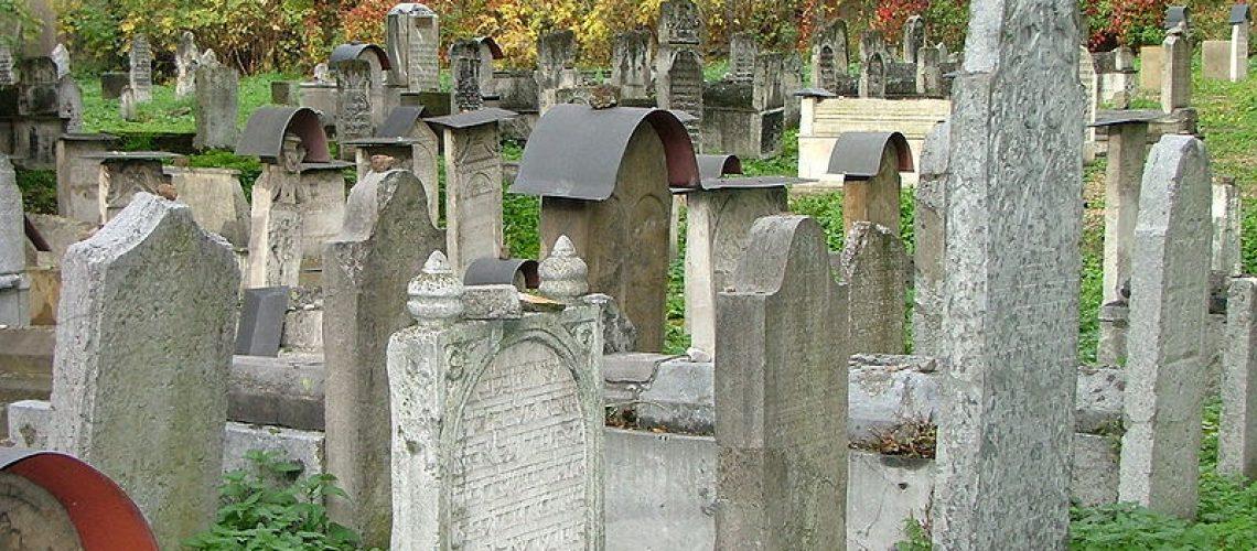 Remuh Jewish Cemetery in Kraków, Poland. Wikimedia