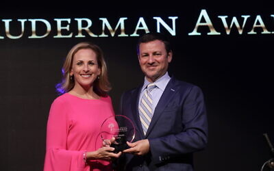 Jay Ruderman with actress Marlee Matlin. Courtesy of the Ruderman Family Foundation