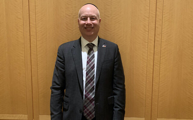 Jason Greenblatt after speaking at Congregation Keter Torah in Teaneck, N.J., Jan 12, 2020. (Josefin Dolsten/via JTA)