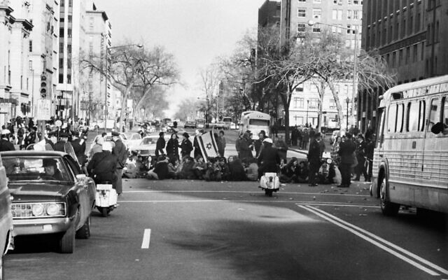 Photo taken in March 1971, shows American Jewish organizations in the streets of Washington as they protest against the Russian governments attitude towards the Jews from the USSR. (AFP via Getty Images)