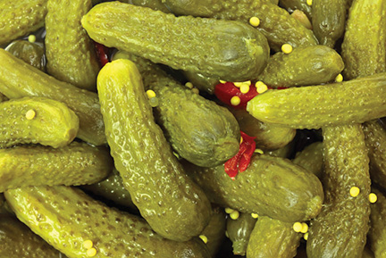 The probiotics in pickles can prevent cavities, an Israeli-Chinese research team has found.  Wikimedia Commons