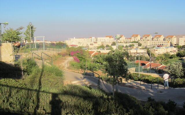 Maale Adumim (Flickr Commons)