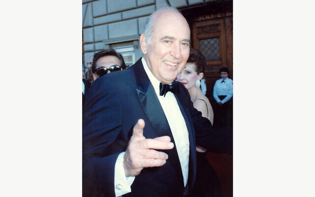 Carl Reiner at the Emmy in 1989. Flickr