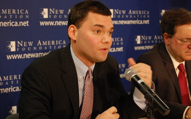 Peter Beinart speaks at an event of the New America Foundation on Dec. 14, 2009. (New America Foundation)
