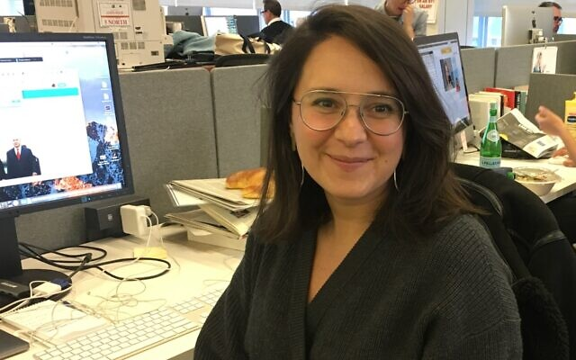 Bari Weiss in the New York Times newsroom in 2018. (Josefin Dolsten)