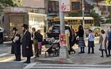 A street scene in South Williamsburg, Brooklyn. The Department of Health threatened serious action if progress was not made by Monday evening in slowing the spread of infection in new COVID hotspots. (Daniel Moritz-Rabson)